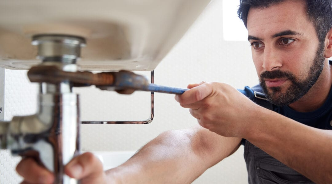 How much should a plumber charge?
